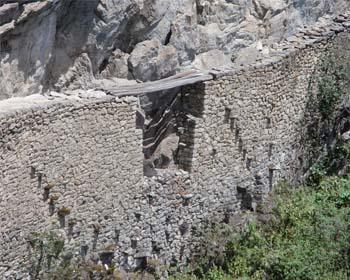 Il ponte Inca a Machu Picchu